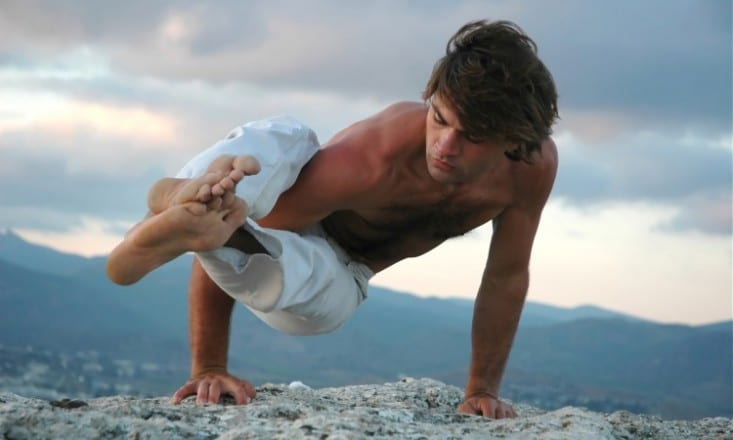 10-Things-About-Male-Yogis-That-Make-Them-Extra-Attractive-733x440