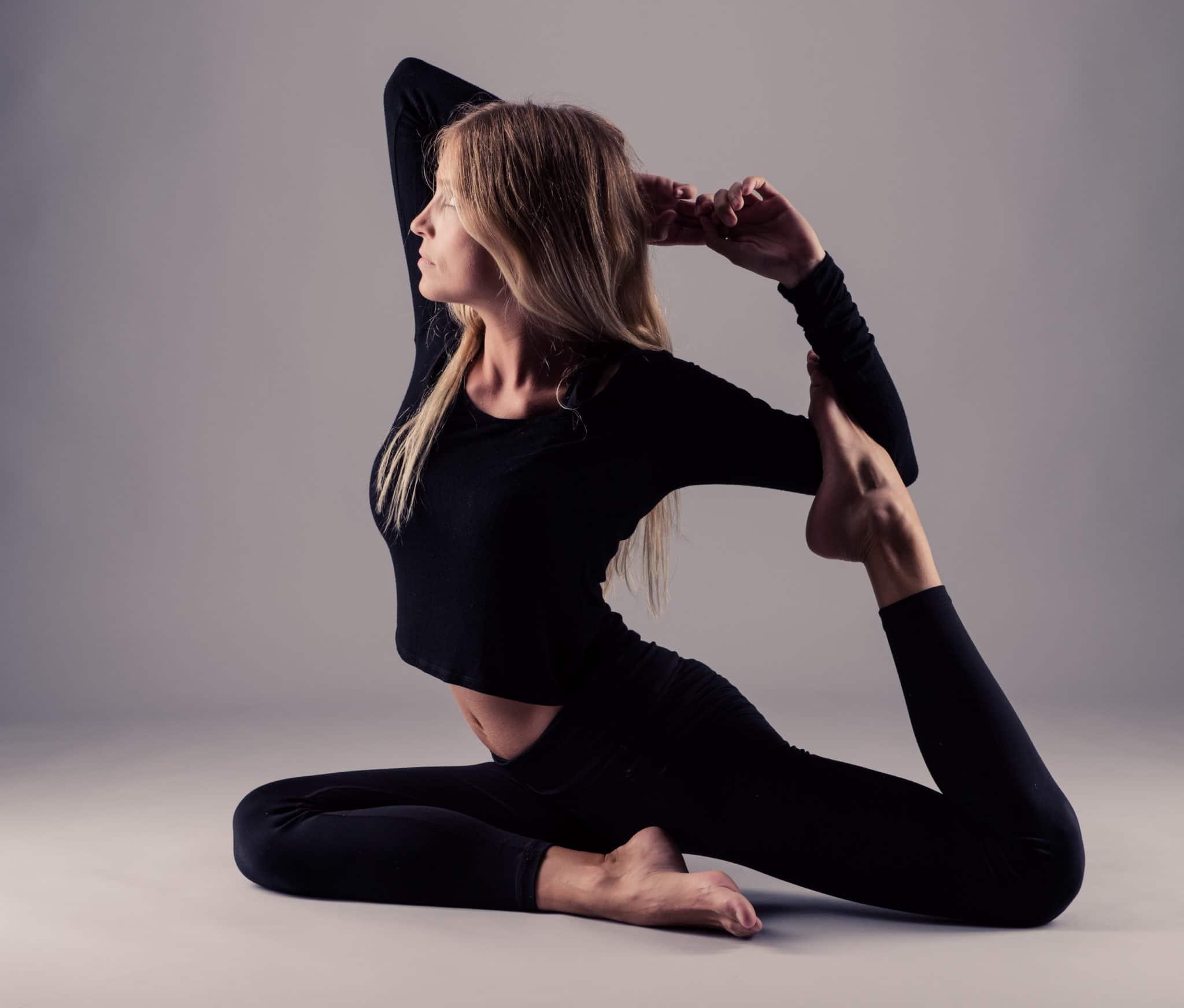 yoga para estirar psoas postura de la paloma