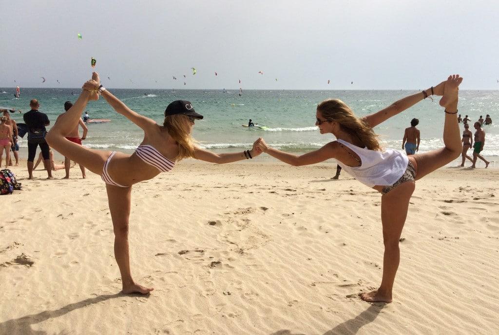 variante de la postura de natarajasana o del bailarín