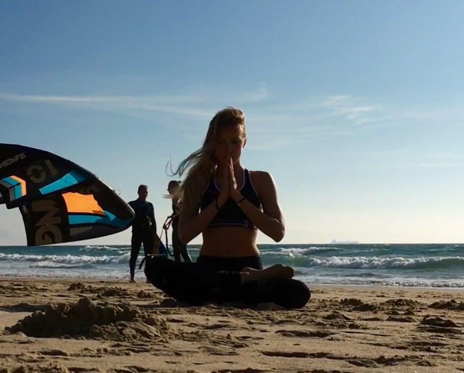 como respirar en yoga postura de loto o padmasana