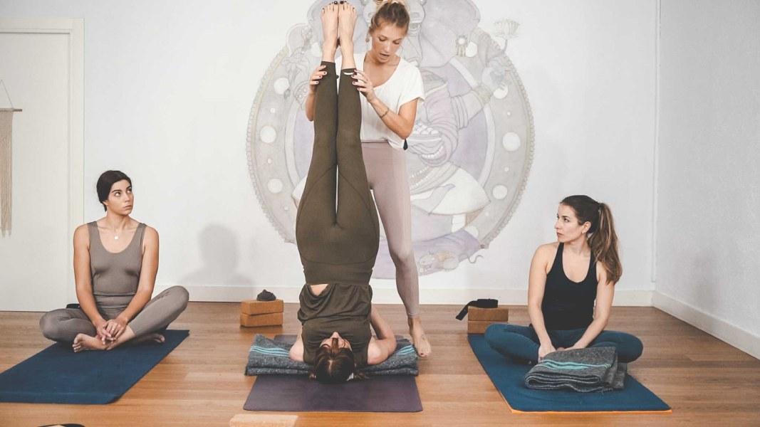 clase de yoga para principiantes