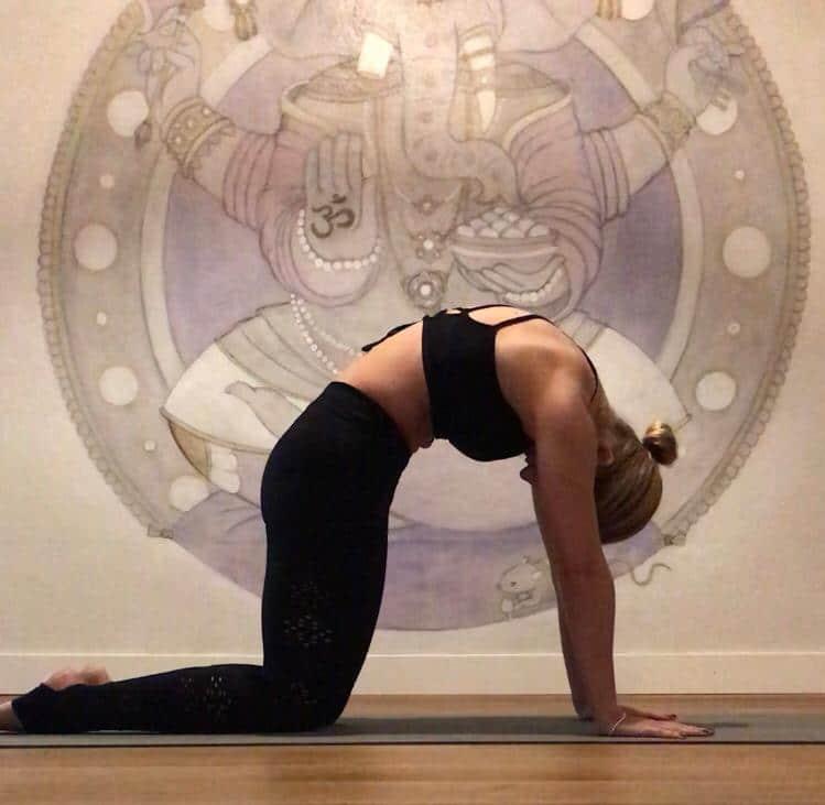 yoga dolor lumbares postura bidalasana