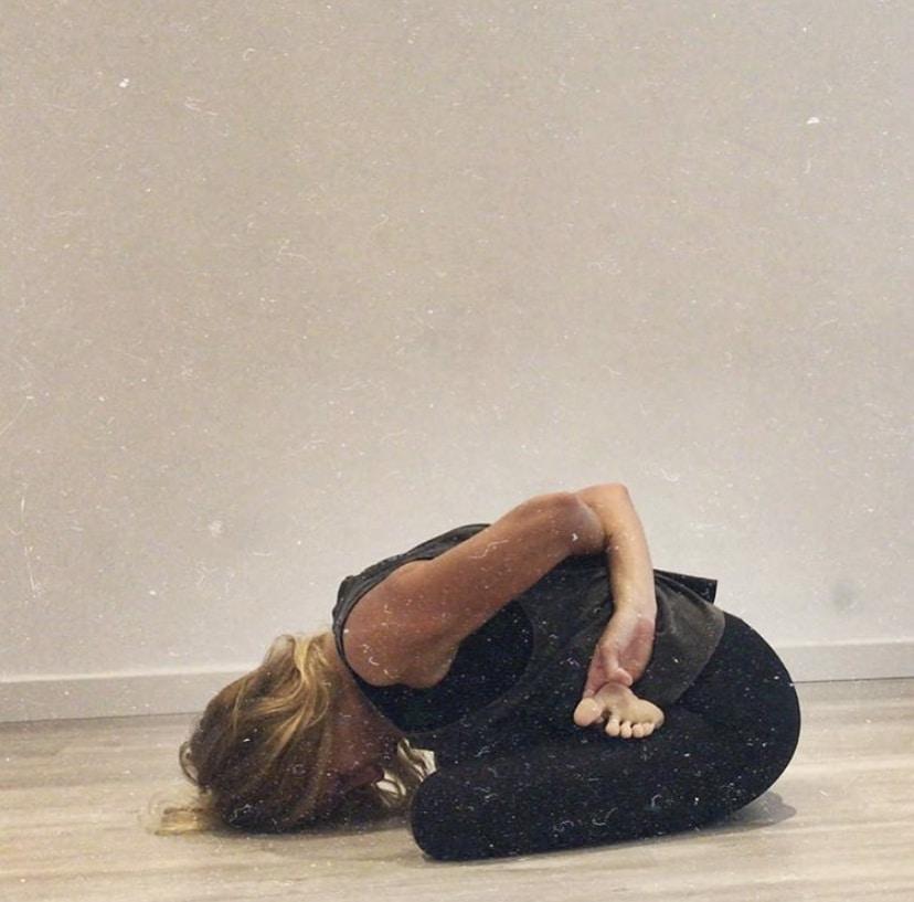 postura apertura de caderas Baddha Konasana B