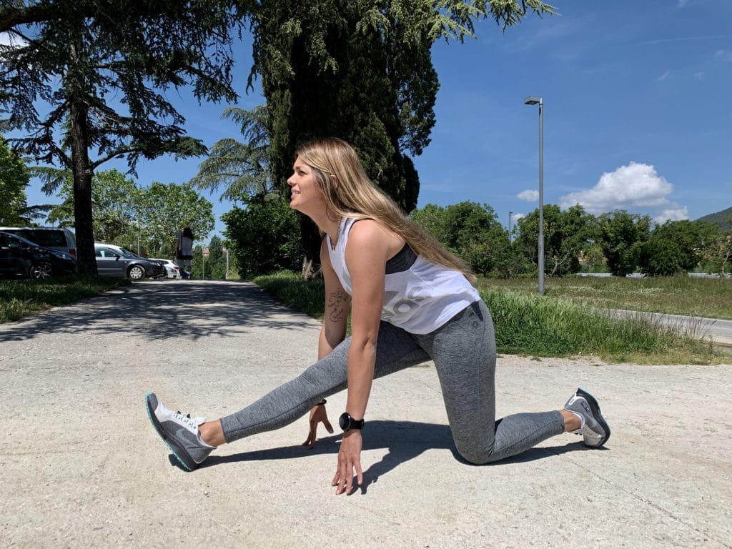 yoga para estirar los isquiotibiales ardha hanumanasana