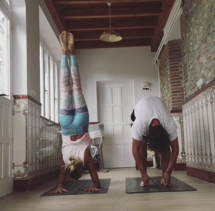 yoga para hombres Postura padangusthasana