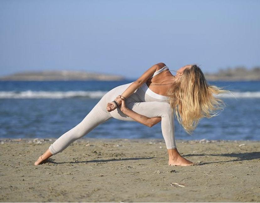 yoga para aliviar las agujetas