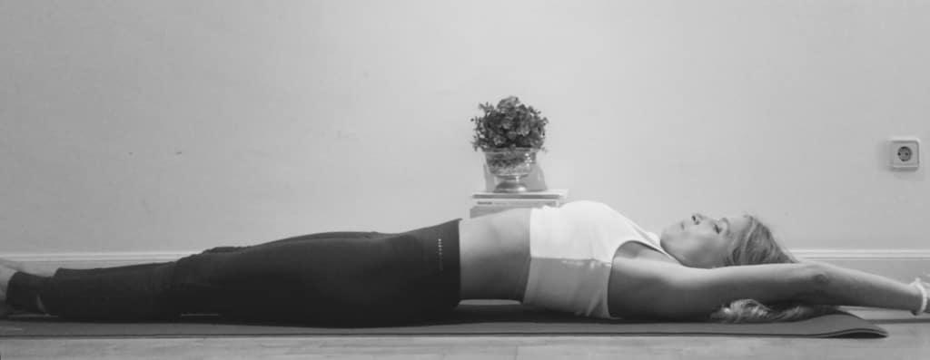 asanas de yoga para fortalecer el core Urdha Prasarita Padasana
