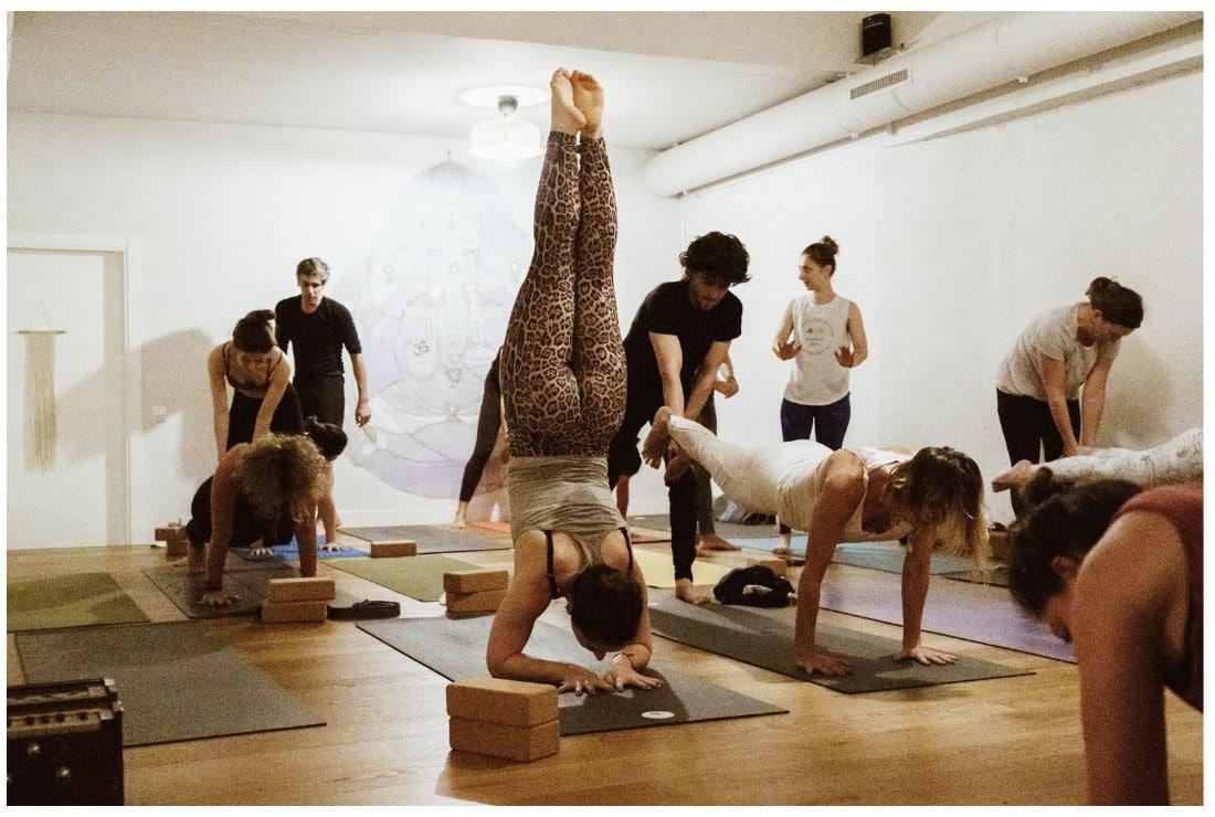 trabajo profesor yoga